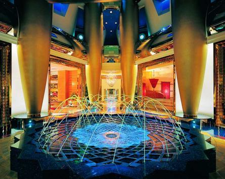 7 star hotel burj al arab the highest hotel in the for Burj al arab 7 star hotel