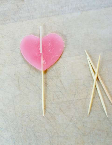 DIY Candles For Valentine's Day